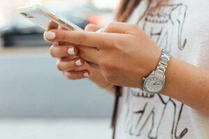 Read more about the article Come vincere la dipendenza da cellulare